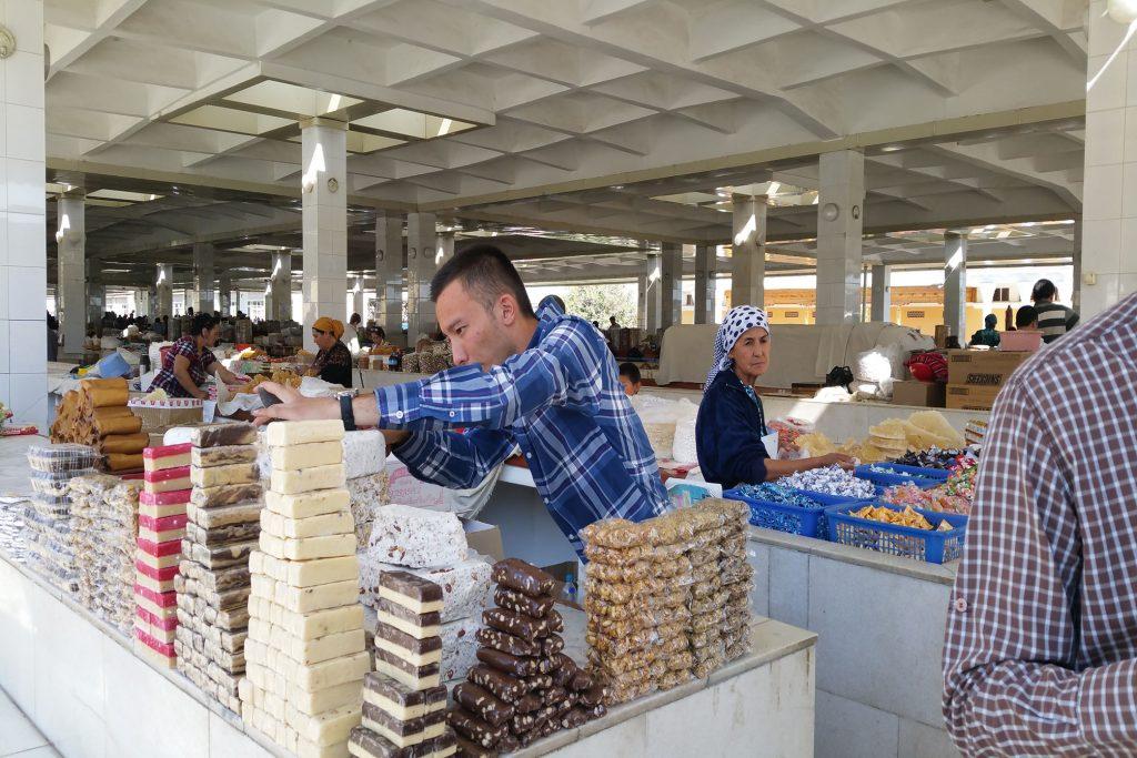 Stand auf dem Bazar von Samarkand