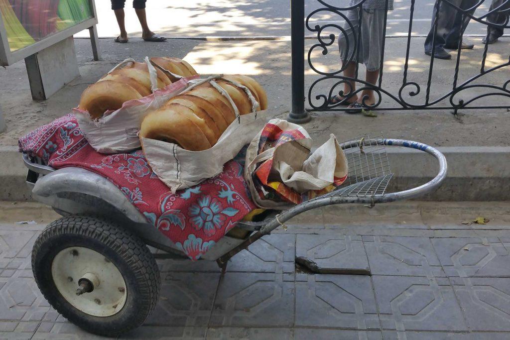 usbekischer Brotverkaufswagen