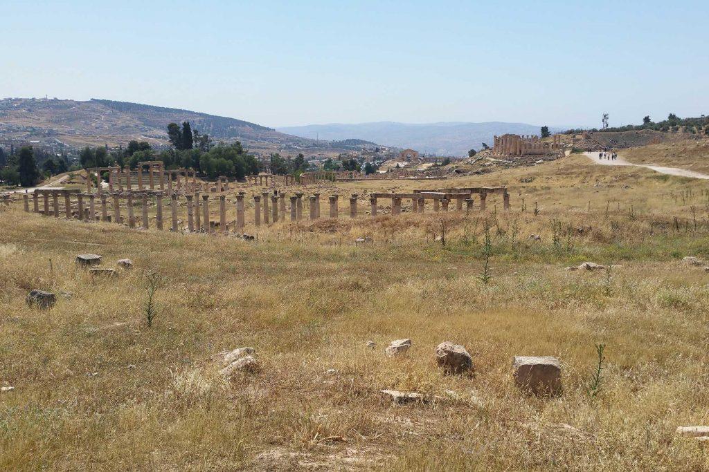 Blick über die Ruinen von Jerash