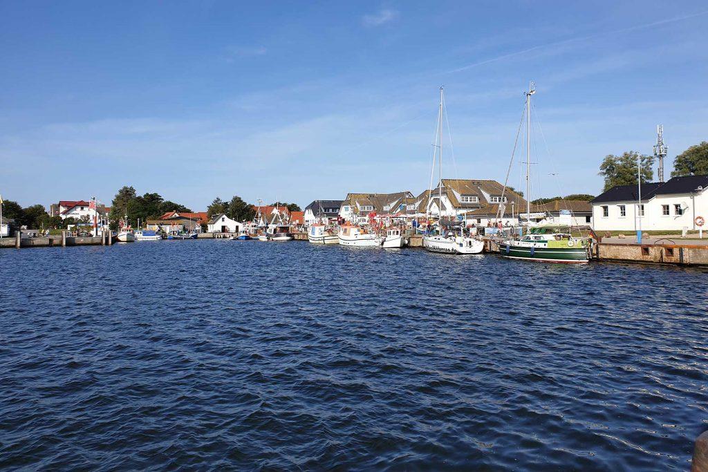 Hafenblick auf Hiddensee